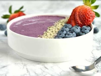Creamy Berry Bowl